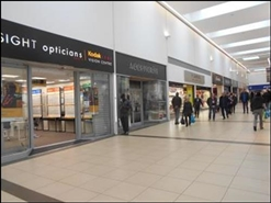 812 SF Shopping Centre Unit for Rent  |  Unit 6, Queens Square Shopping Centre, West Bromwich, B70 7NG