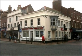 972 SF High Street Shop for Rent  |  50 High Street, Newport, PO30 1SB