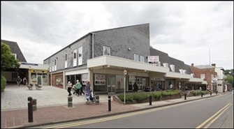 1,297 SF Shopping Centre Unit for Rent  |  6 St Andrews Square, Droitwich Spa, WR9 8HE