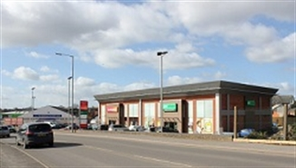 8,000 SF Retail Park Unit for Rent  |  Unit 3, Harwood Retail Centre, Gillingham, SP8 4PY