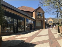 1,376 SF Shopping Centre Unit for Rent  |  Quedam Shopping Centre, Yeovil, BA20 1EU