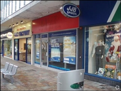 489 SF High Street Shop for Rent  |  3 Queen Street, Wolverhampton, WV1 3JX