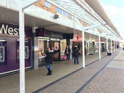 916 SF Shopping Centre Unit for Rent  |  7 North Walk, Yate, BS37 4AP