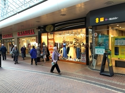 678 SF Shopping Centre Unit for Rent  |  10 South Walk, Cwmbran, NP44 1PU