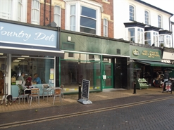 549 SF High Street Shop for Rent  |  43 Fore Street, Brixham, TQ5 8AA
