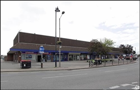 990 SF Shopping Centre Unit for Rent  |  Unit 11, Knightswick Shopping Centre, Canvey Island, SS8 7AD