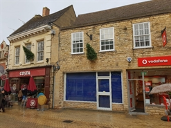 625 SF High Street Shop for Rent  |  32 High Street, STAMFORD, PE9 2BB