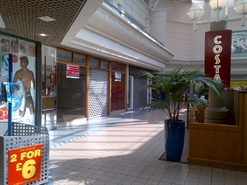 1,494 SF Shopping Centre Unit for Rent  |  31 Baxtergate, Freshney Place, Grimsby, DN31 1ED