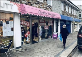 495 SF High Street Shop for Rent  |  Newcourt House, Wadebridge, PL27 7AG