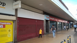 906 SF Shopping Centre Unit for Rent  |  45 Hankinson Way, Salford, M6 5JA