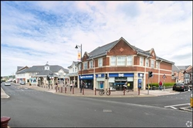 1,417 SF Shopping Centre Unit for Rent  |  Unit 27, Castle Court Shopping Centre, Caerphilly, CF83 1NU