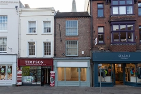 488 SF High Street Shop for Rent  |  7 South Street, Chichester, PO19 1EH