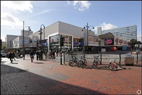 807 SF Shopping Centre Unit for Rent  |  Unit 1B Queens Walk, Reading, RG1 7QE