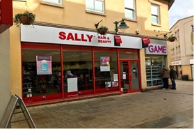 1,772 SF Shopping Centre Unit for Rent  |  Unit 8, St Marks Place, Newark, NG24 1XT