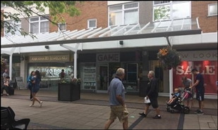881 SF Shopping Centre Unit for Rent  |  9 East Walk, Yate Shopping Centre, Bristol, BS37 4AP
