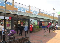 1,730 SF Shopping Centre Unit for Rent  |  8-9 Market Walk, Tiverton, EX16 6BL