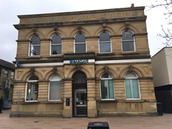 1,549 SF High Street Shop for Rent  |  30 Bank Street, Ossett, WF5 8NN