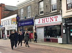 950 SF High Street Shop for Rent  |  82 Peascod Street, Windsor, SL4 1DH