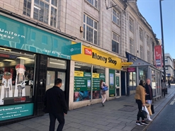 791 SF High Street Shop for Rent  |  25-27 The Headrow, Leeds, LS1 6PU