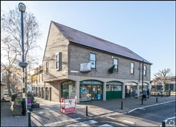 539 SF High Street Shop for Rent  |  Kings Court, Bristol, BS48 1AW