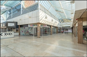1,275 SF Shopping Centre Unit for Rent  |  Unit 8, Roebuck Centre, Newcastle Under Lyme, ST5 1SW