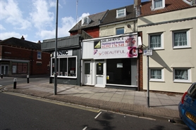 348 SF High Street Shop for Rent  |  121 Highland Road, Southsea, PO4 9EY