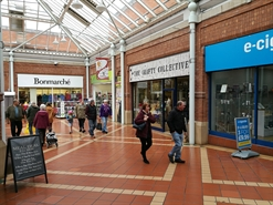 527 SF Shopping Centre Unit for Rent  |  Unit 17 Angel Place Shopping Centre, Bridgwater, TA6 3TQ