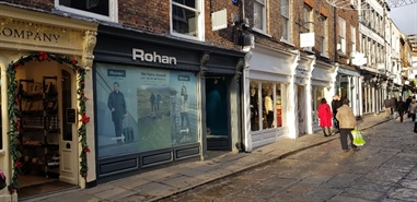759 SF High Street Shop for Rent  |  24 Stonegate, York, YO1 8AS
