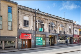 1,178 SF High Street Shop for Rent  |  15 - 19 Queens Road, Bristol, BS8 1QE