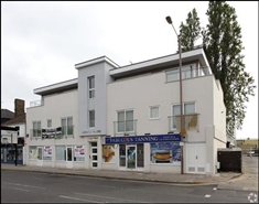 580 SF High Street Shop for Rent  |  3 Ongar Road, Brentwood, CM15 9AU