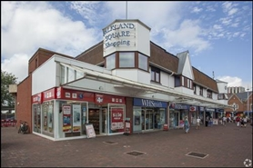 839 SF Shopping Centre Unit for Rent  |  Unit 7, Dolphin Shopping Centre, Poole, BH15 1ER