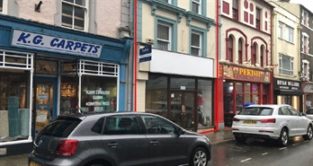 1,011 SF High Street Shop for Rent  |  76 High Street, Pwllheli, LL53 5RR