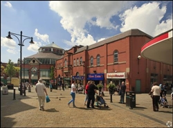 896 SF Shopping Centre Unit for Rent  |  Town Square Shopping Centre, Oldham, OL1 1HE