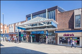 927 SF Shopping Centre Unit for Rent  |  Swansgate Centre, Wellingborough, NN8 1EY