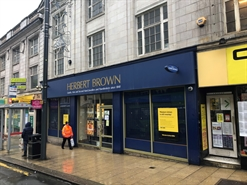 1,113 SF High Street Shop for Rent  |  29 - 33 The Headrow, Leeds, LS1 6PU