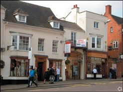 463 SF High Street Shop for Rent  |  8 Old Red Lion Court, Stratford Upon Avon, CV37 6AB