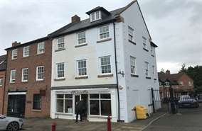 556 SF High Street Shop for Rent  |  15 Market Square, Daventry, NN11 4BH