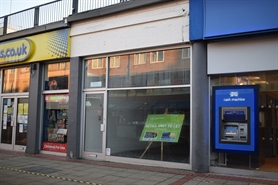 910 SF Shopping Centre Unit for Rent  |  53 Corporation Street, Corby, NN17 1NQ