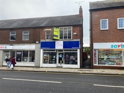 551 SF High Street Shop for Rent  |  44 The Square, Kenilworth, CV8 1EB